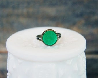 vintage glass jello mold style green cabochon ring- antique brass adjustable band
