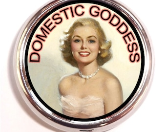 Domestic Goddess Retro Housewife Kitsch Pill Box Case Pillbox