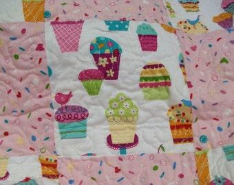 Baby Blanket, Baby Quilt, girl, pink, turquoise, aqua, cupcake motif, toddler quilt, toddler blanket, 100% cotton