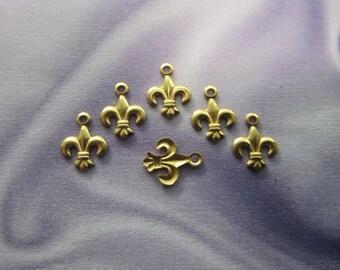 SALE Tiny Fleur de Lis Brass Charms x 6