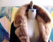 Elegant 1970s Lambswool and Mink Fur Coat, Medium-Large/Large