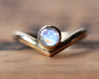 Gold moonstone ring - 14k yellow gold ring - rainbow moonstone ring - modern ring - chevron ring - arrow ring - artisan - custom made