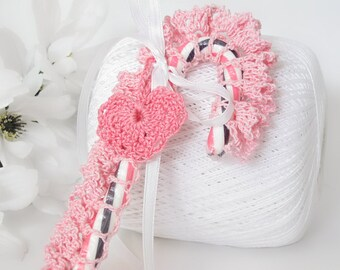 Pink Lace Candy Cane Gift Topper, All Occasion Candy Cane Holder with Crochet Pink Heart Charm, Candy Cane Cover, Decoration