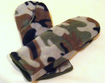 Reversible Camouflage Boys Mittens Size Large
