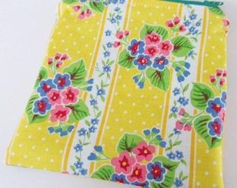 "Summer Flowers Zippered MINI WET BAG  Purse sized 5.75"" x 5.75""  Free Shipping"