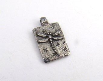 Small dragonfly charm, Green Girl Studios, lead free pewter rectangular pendant fly 21mm