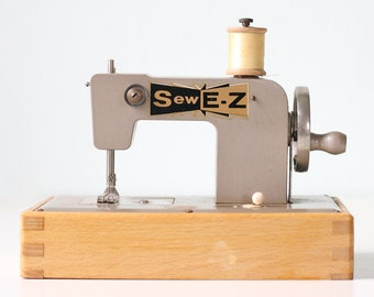Vintage Sewing Machine, Silver Sew E Z