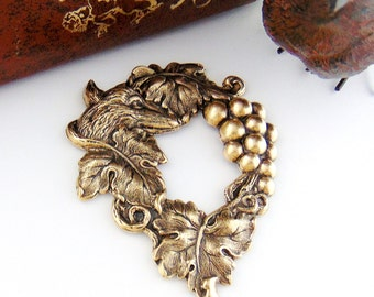 ANTIQUE BRASS Aesops Fable Fox and The Grapes Stamping ~ Jewelry Findings (C-1206)