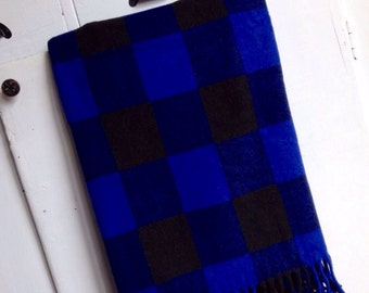 Cabin Cozy... Vintage Black and Blue Buffalo Plaid Wool Stadium Blanket Picnic Blanket Camp Blanket Throw