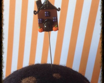 Haunted House Mansion Pin Topper