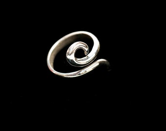 Silver Ring, Adjustable in a Spiral Design One Size fits all.