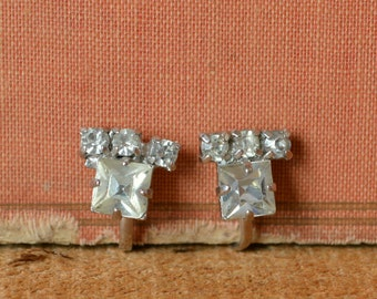 Rhinestone Earrings --- Vintage 1950s Earrings