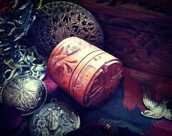 Absinthe Sucre Perfume Solid -  Anise Fennel Wormwood Sugar Caramel Tobacco Musk