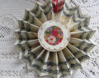 Handmade Victorian Valentine Decoration Cottage Chic Ornament Flowers White Roses with Music Edge