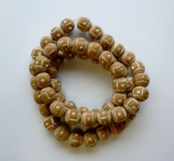 African Ceramic And Stone : Handmade african ceramic beads tan and white circle of