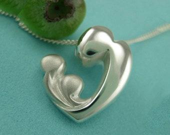 Twins Necklace, Two Children Necklace, 'Deux Enfants' pendant with chain, Mère et Enfant collection. Motherhood Gifts