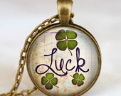Lucky clover pendant , Luck clover leaf necklace  , good luck jewelry , shamrock necklace , clover necklace, saint patrick's day jewelry