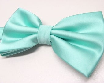 Mens Bowtie. Mint Ties. Pastel Mint Green Bowtie With Matching Pocket Square Option