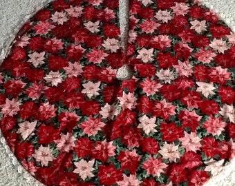 """Christmas Tree Skirt.  38"""" Round, Pointsettia print, Cotton, Ready to Ship"""