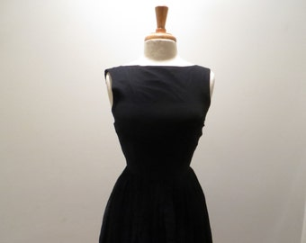 Candy Jrs Simple Black Elegance dress - size small