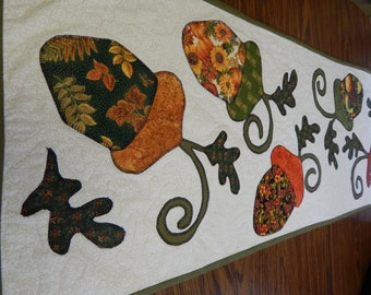 Falling Acorns and Leaves Table Runner