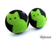 Cat earrings - White cat earrings - Cat stud earrings - White cat post earrings - Cat posts sf816