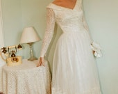 Vintage Princess 1940s Chantilly Lace with Illusion Neckline Stunning wedding dress