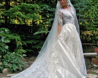COUPON SALE-Camelot-Exquisite 1953 Diamond White Silk Voile and Lace Vintage Bridal Gown and matching Veil