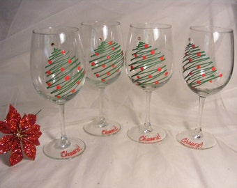 Christmas holiday wine glasses - set of 4 hand painted Christmas tree wine glasses