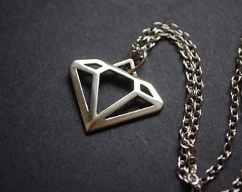 scene diamond necklace