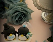 penguins bride and groom Wedding Cake Topper (K438)