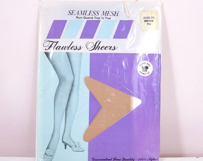 Vintage Nylon Stockings   1960s Vintage Nylon Mesh Stockings Size 9.5 (Medium)   Mesh Stockings