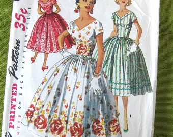 1950s Vintage Sewing Pattern - Simplicity 1159 - V-Neck Lucy DRESS Party Dress /  Size 11