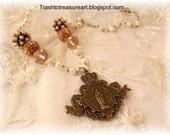 Pretty Pearls Madonna Pendant