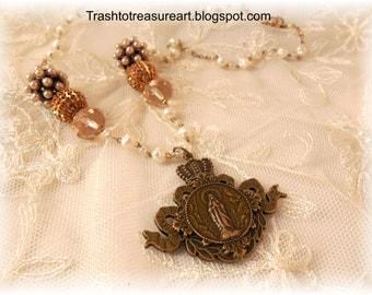 On Sale Pretty Pearls Madonna Pendant