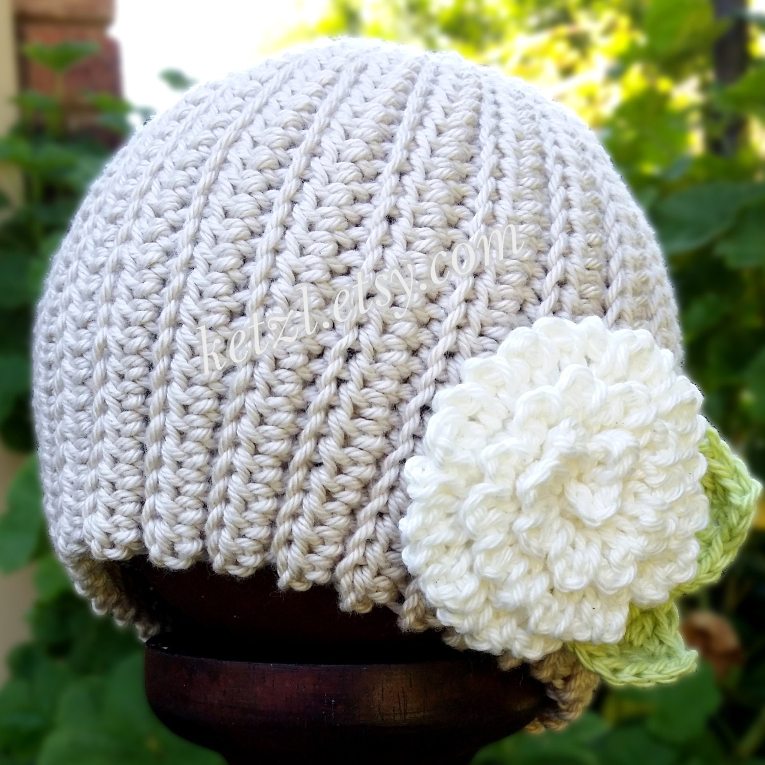 Crochet Beanie Pattern With Flower : Crochet pattern baby beanie hat with chrysanthemum big flower