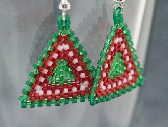 Beaded Dangle Earrings - Peyote Triangles - Christmas Holiday Striped Red Green White by randomcreative on Etsy