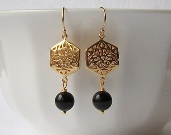 Black Pearl and Gold Earrings