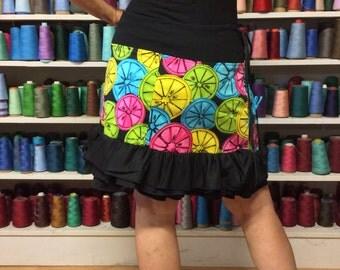 M/L Neon Black Skirt with Pockets/Short Skirt/Knee Length Skirt/Ruffled Skirt/Yoga Waist Skirt/Upcycled Recycled Repurposed/1980's Costume