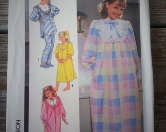 Simplicity Nightgown and Pajamas Pattern 7816 Size 10-12 Uncut