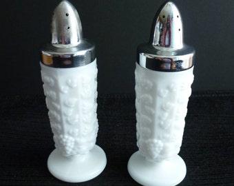 Vintage Westmoreland Paneled Grape Salt Pepper Shaker Set White Milk Glass