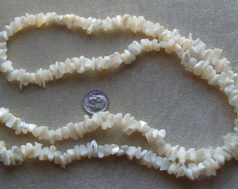 Strand of Mother of Pearl Medium to Large Chips (273)