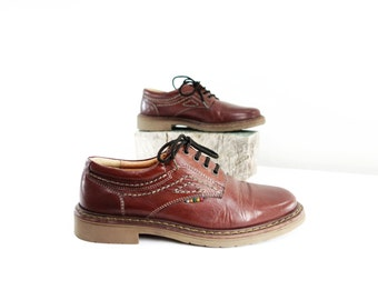 RESERVE 80s Burgundy Shoes, Vintage Leather Brogue, 1980s Walking Shoe, Flats Made in Italy, Burgundy Leather Size 9