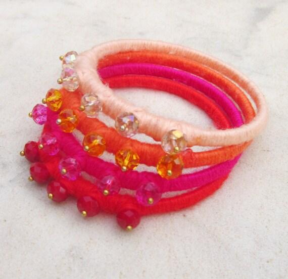 Ombre bangle bracelets, crystal bracelets, fiber bangle set, ombre bracelets, yarn wrapped bangle bracelets,  light peach orange fucshia red