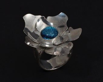 Saphire Blue Centered Sterling Silver Flower Statement Ring