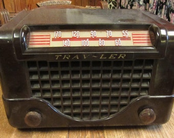 Trav-Ler Radio Model 5066 Vintage 1948 Tube Radio