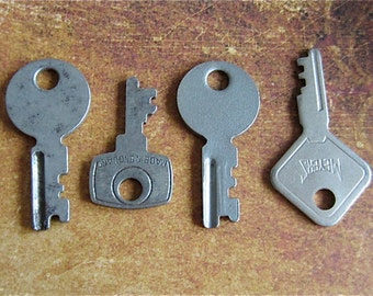 Vintage old keys- Steampunk - Altered art s74
