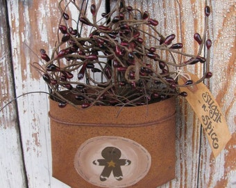 Primitive Gingerbread Hand Painted Rusty Tin Hanging Pocket GCC3689
