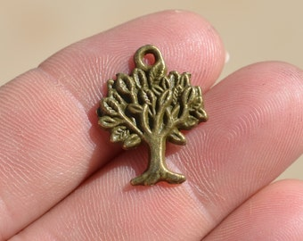 10  Antique Bronze Tree  Charms BC2809