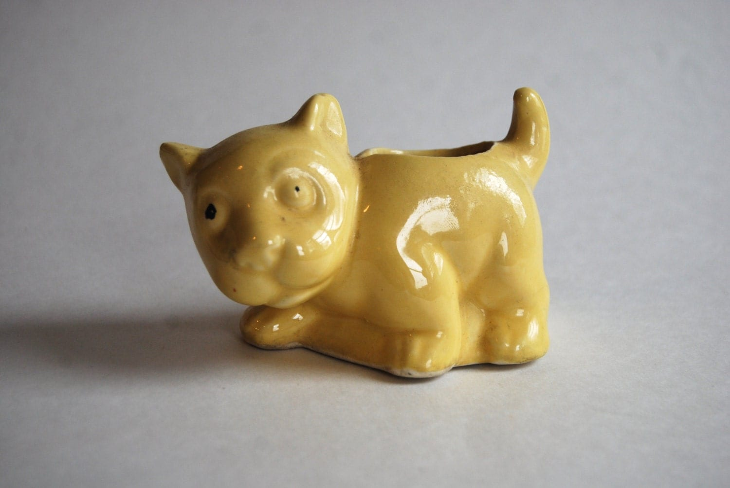 Vintage Yellow Planter Cat Home Decor